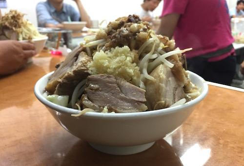 ラーメン荘歴史を刻め六甲道店ラーメン店画像04