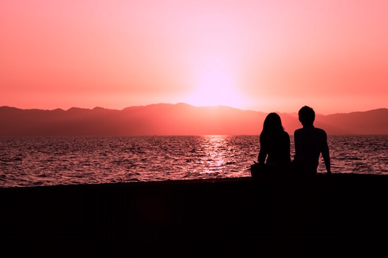 pakutaso_couple_manwoman_sunset